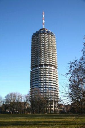 Der Augsburger Hotelturm - © istock.com/trait2lumiere