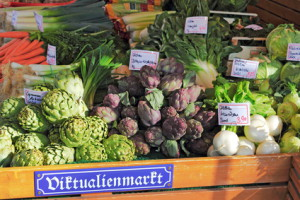Auf dem Münchner Viktualienmarkt werden Freunde kulinarischer Genüsse glücklich, © ArTo, fotolia.com